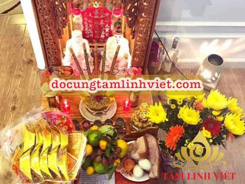 Phong tục thờ cúng Thần Tài với quan niệm cầu mong cho năm mới làm ăn thuận lợi