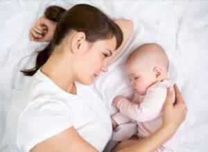 Quan sát chất lượng giấc ngủ của trẻ
