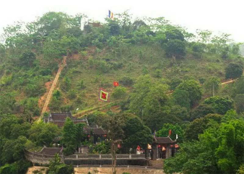 đường đi đến đền thờ ông hoàng 7