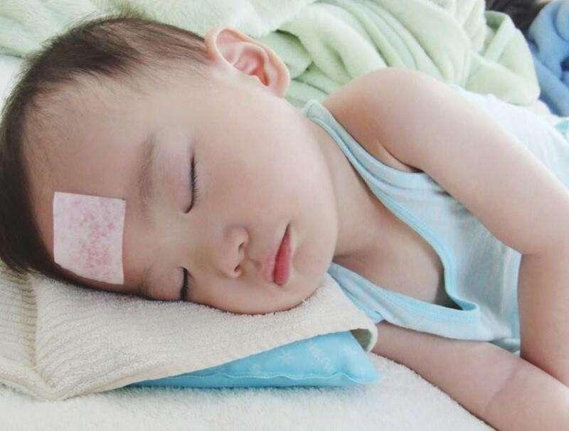 Miếng dán hạ sốt sẽ giúp hạ sốt nhanh chóng ngay tại nhà