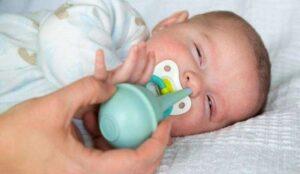 Hút mũi và vỗ long đờm là thao tác các mẹ phải nắm rõ kỹ thuật