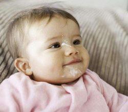 Cấp cứu sặc sữa kịp thời, an toàn cho bé ngay tại nhà