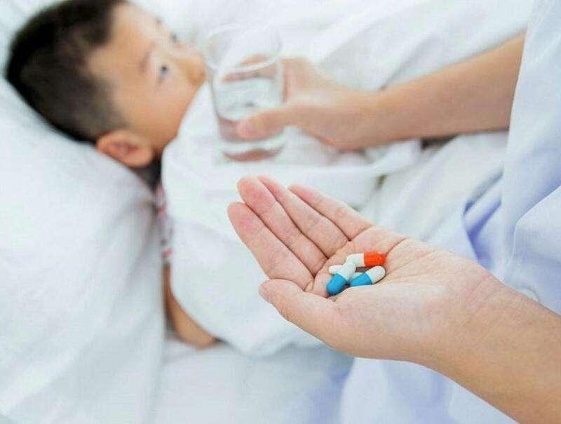 Cần cho trẻ uống thuốc kháng sinh đúng cách