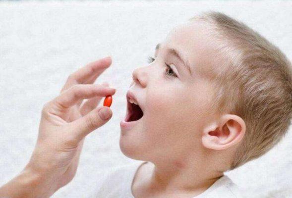 Những nguy cơ có thể xảy ra khi sử dụng thuốc kháng sinh cho trẻ