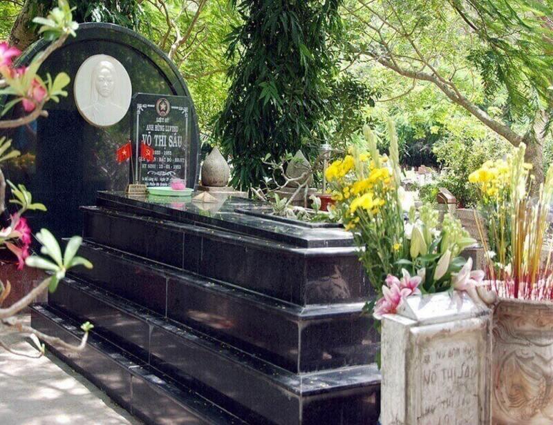 Viếng mộ Cô Sáu – Một trong địa điểm đi lễ nổi tiếng tại Côn Đảo