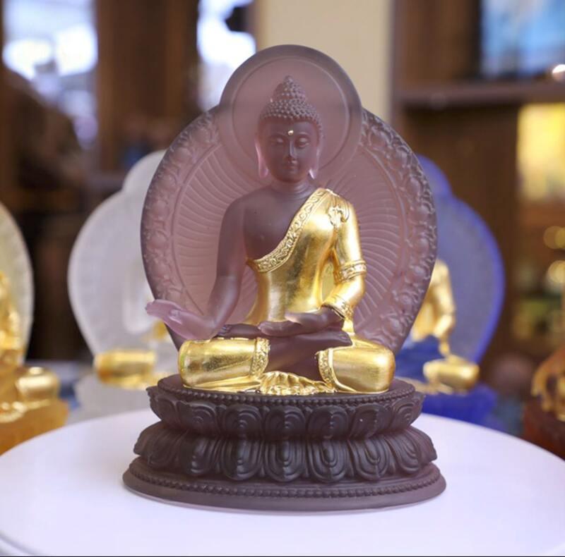 Tượng Phật Dược Sư dát vàng tại Tp Hồ Chí Minh