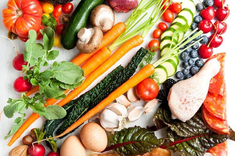 Thực đơn ăn dặm cần đầy đủ 4 nhóm chất dinh dưỡng