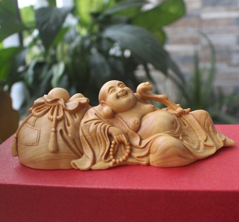 Tượng Phật Di Lặc để xe ô tô bằng gỗ hoàng dương