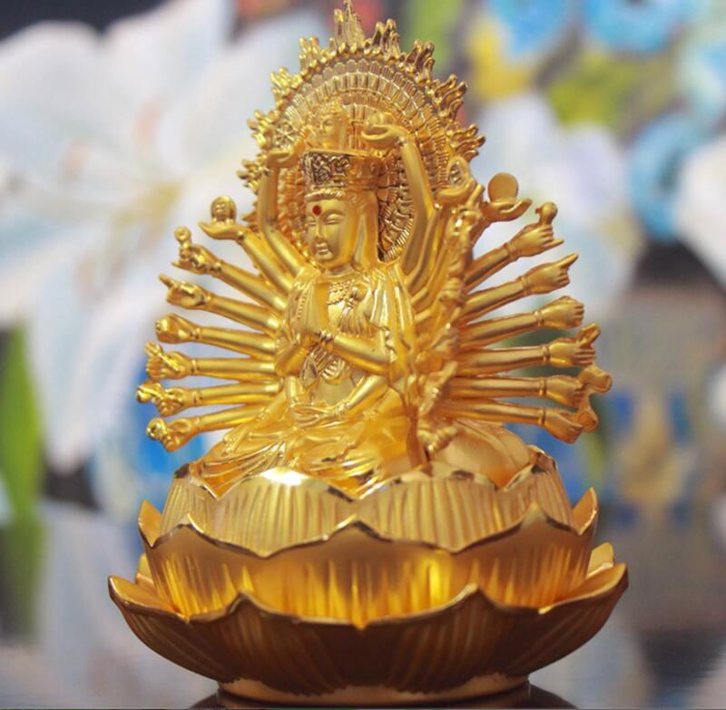 Góc chụp nghiêng của tượng Phật Thiên Thủ Thiên Nhãn