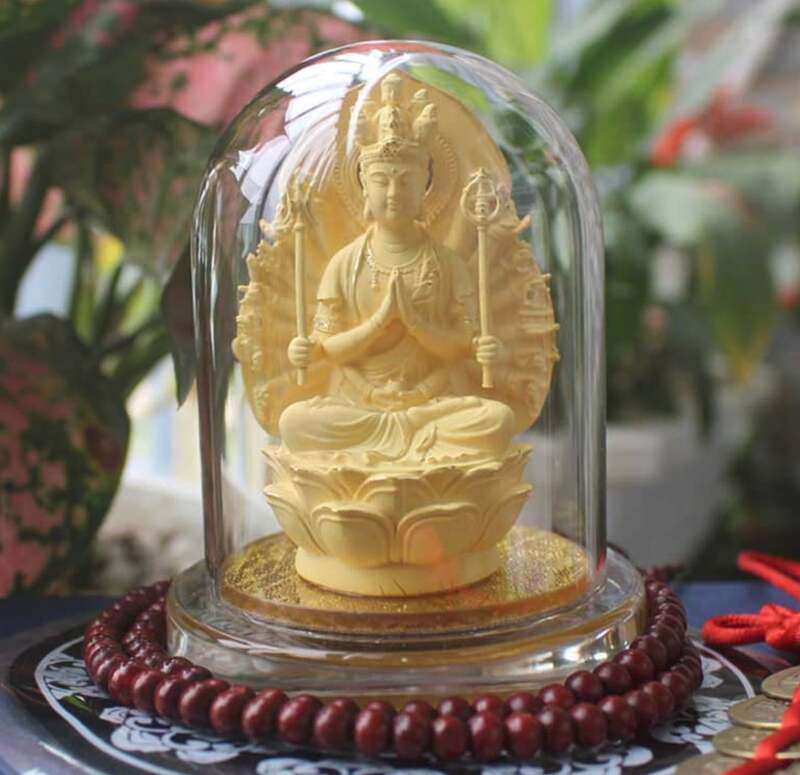 Tượng Phật Thiên Thủ Thiên Nhãn để xe hơi hợp người tuổi Tý