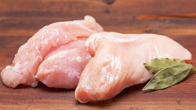 Ở giai đoạn này bé có thể ăn thịt lườn gà